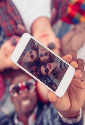 پوست اندازی تدریجی فرهنگی برخی چهره های رسانه ای در پرتو اینستاگرام-۲